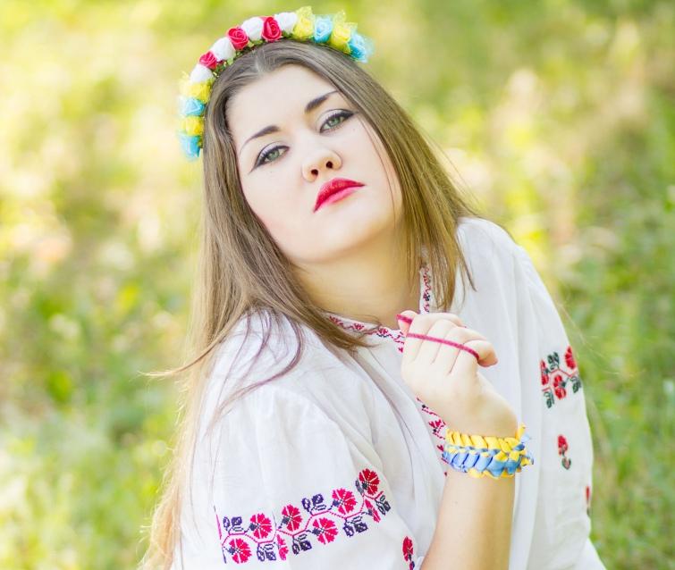 Украинки фото девушек на природе, муж кончил внутрь жене