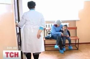 Вакцинацию в Украине остановили из-за гибели ребенка Продолжается расследование дел о гибели одного мальчика и...