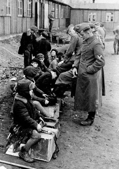Фото. 20 век- суровые сороковые.