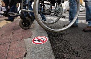 Адвокат на візку виграв першу в Україні справу з дискримінації інвалідів