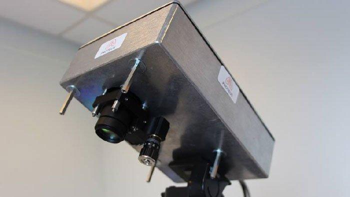 Вчені винайшли камеру, яка «бачить» крізь людське тіло