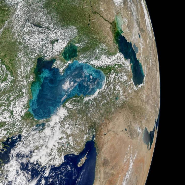 Україну зняли зкосмосу: NASA показало ефектне фото