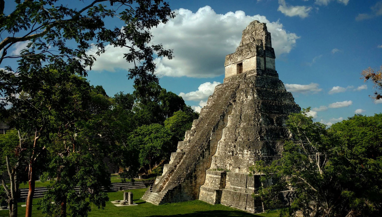 Тікаль — одне з найбільших стародавніх доколумбівських міст майя, розквіт якого припав на 700 рік нашої ери, фото Юрія Полюховича